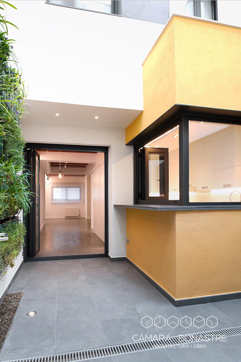 habitació individual amb terrassa al fons